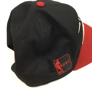 6e5b62fe3e9 New Era Accessories - Chicago Bulls Embroidered New Era NBA SnapBack Hat